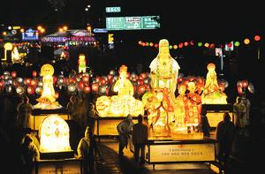 充滿傳統色彩與趣味樂遊2019燃燈會