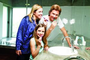 正確潔牙定期看牙遠離牙周病之苦