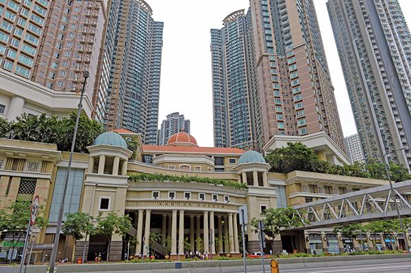 摩根士丹利發表報告對香港樓市前景感樂觀,大摩將今年二手樓價預期調升至10%(原先預計升2%),一手成交量料升二成至1.85萬伙(原先預計升一成)。(大紀元資料室)