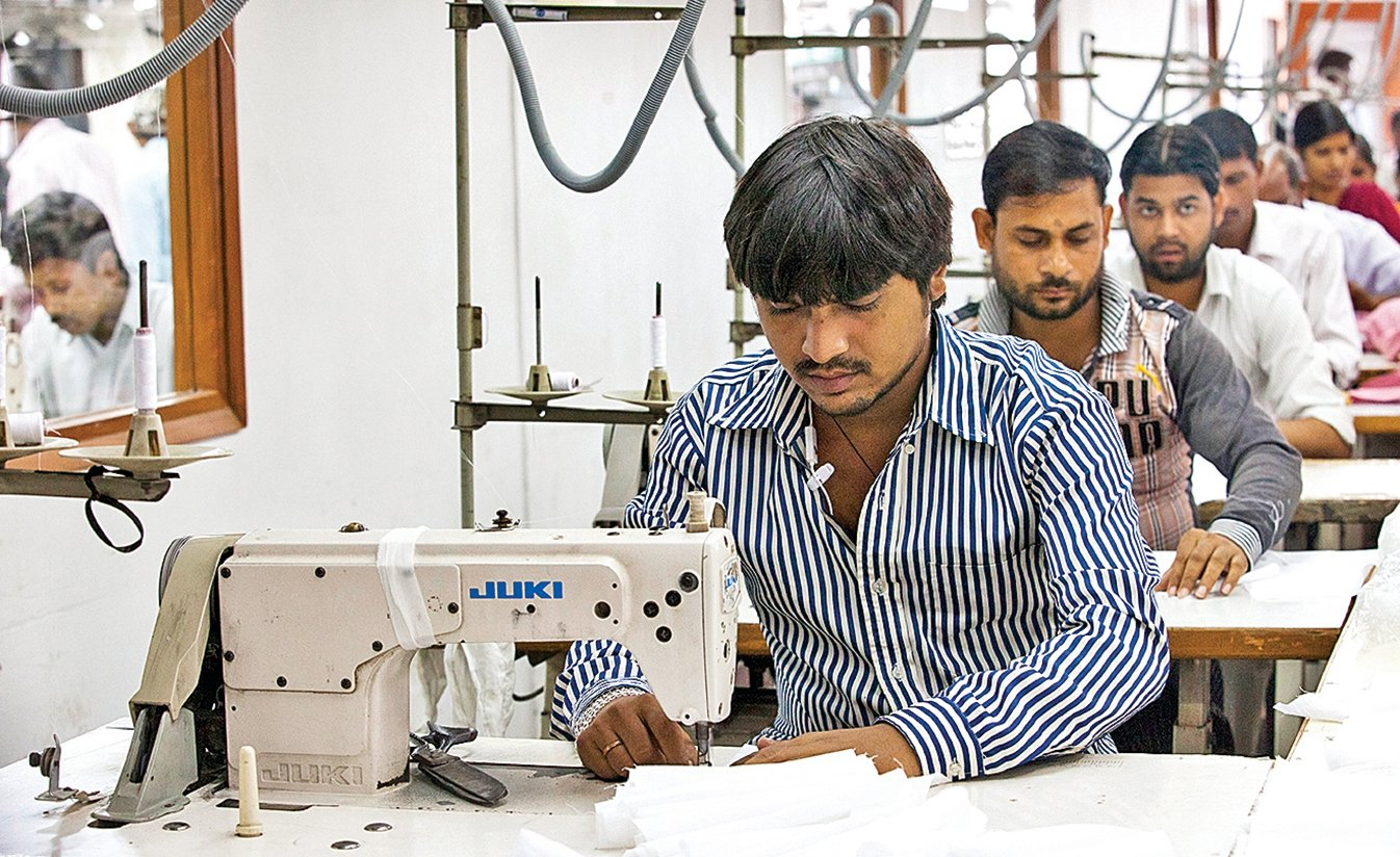 印度新德里市郊的April Cornell 服裝廠內景。(Getty Images)