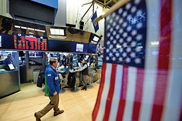 不懼美元強勢 標普指數今年大漲17.4%