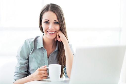 當人同時攝入咖啡因和葡萄糖時,大腦會更好地保存信息,持續注意力也會更好。(Pikselstock/Shutterstock)