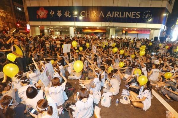 空中服務員大罷工 華航67航班停飛影響逾2萬人