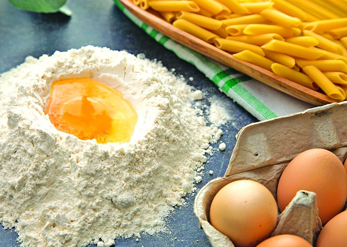 許多意大利家庭都是自己製作麵條。