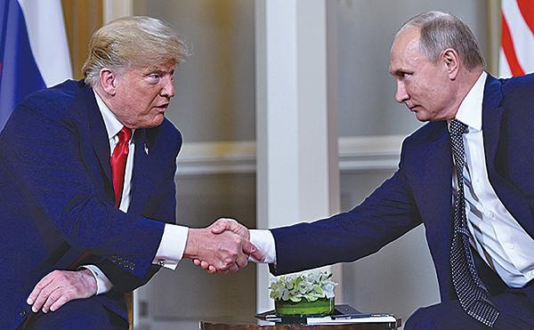 特朗普5月3日與俄羅斯總統普京通話了一個多小時。圖為較早前兩人會面。(Getty Images)