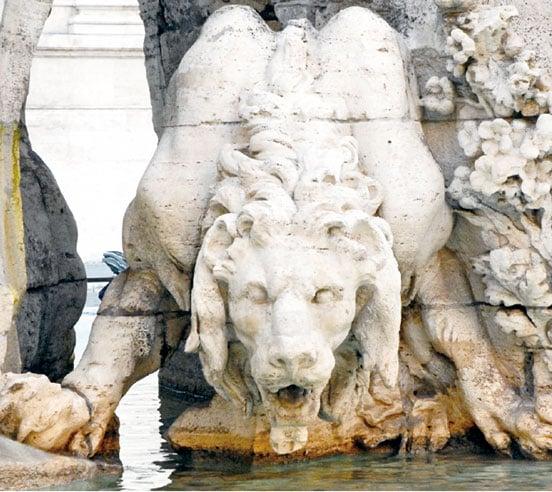 羅馬納沃納廣場四河噴泉之雄獅雕像,由貝尼尼本人完成。(Jean-Pierre DalbéraWikimedia)