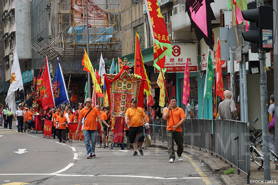 香港仔天后誕的賀誕巡遊。(曾蓮/大紀元)