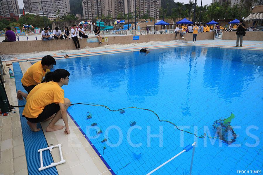 比賽中的香港中文大學PowerShuffle團隊。(陳仲明/大紀元)