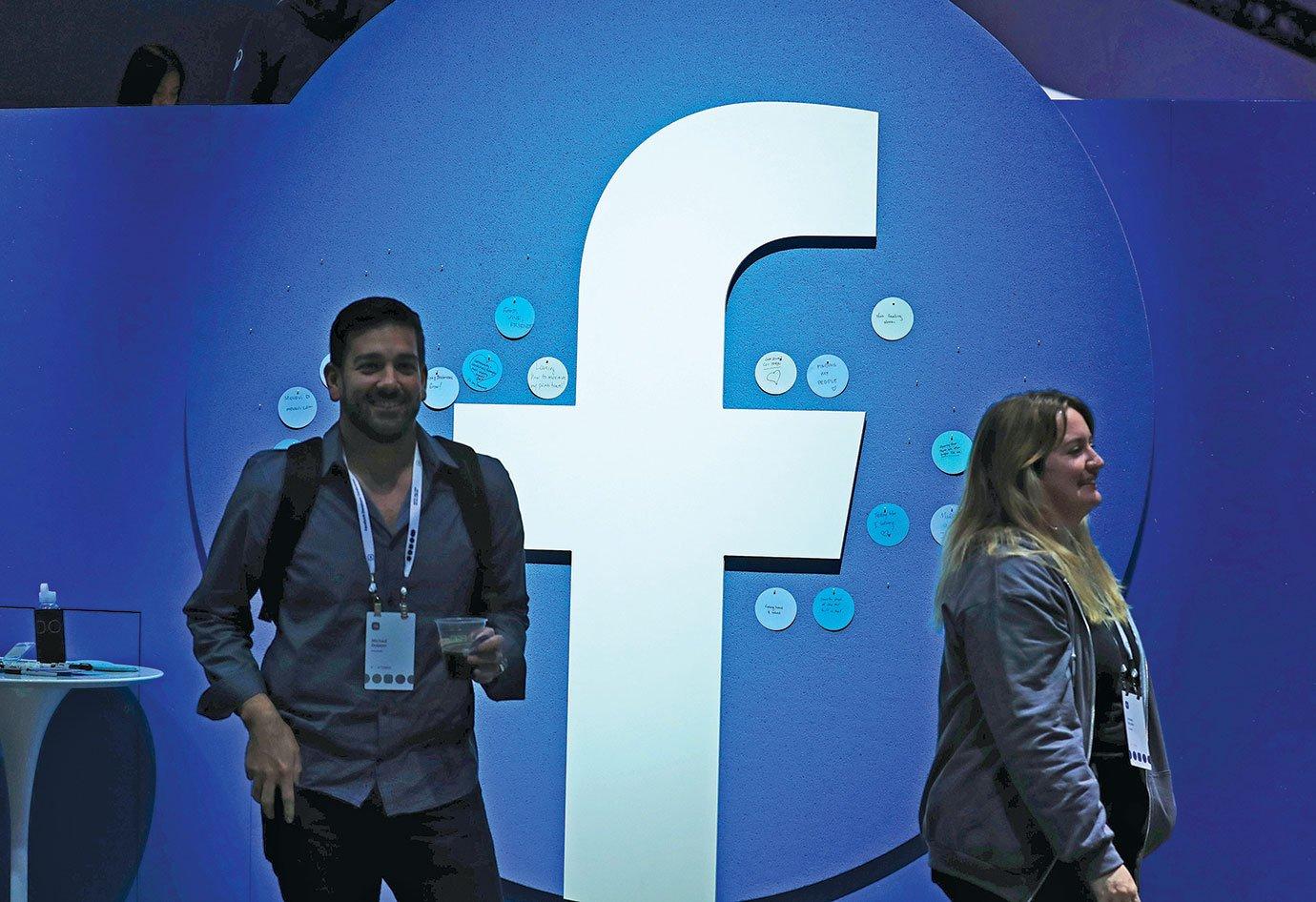 在2019臉書F8年度開發者大會上,公佈了新的logo。(Justin Sullivan/Getty Images)