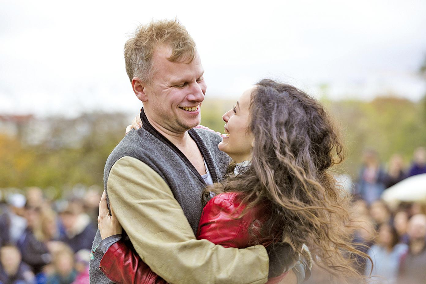 《柏林我愛你》集結多位知名導演執導,講述10個在德國柏林發生的愛情故事。