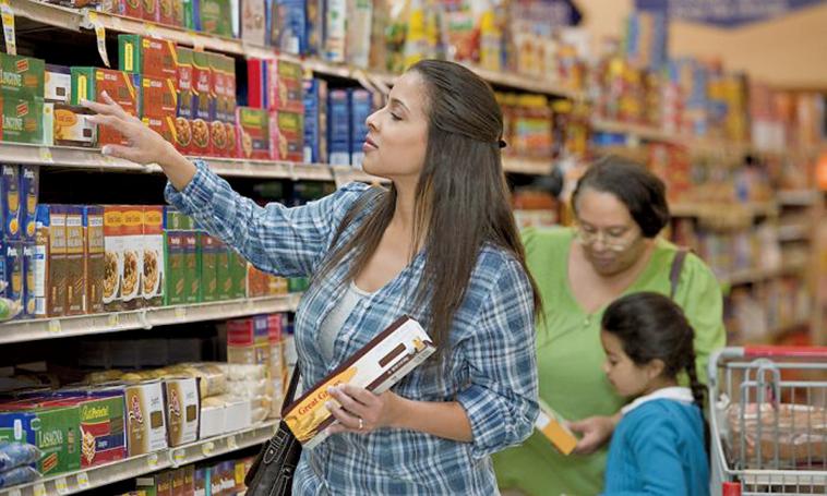 食品包裝上通常都帶有「營養成份」標籤,一是為了讓消費者了解食品中都有哪些營養成份,二是可以讓消費者了解每種營養成份的含量。(Flickr)