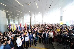 反對引渡惡法 泛民通宵力爭  建制派宣佈終止會議