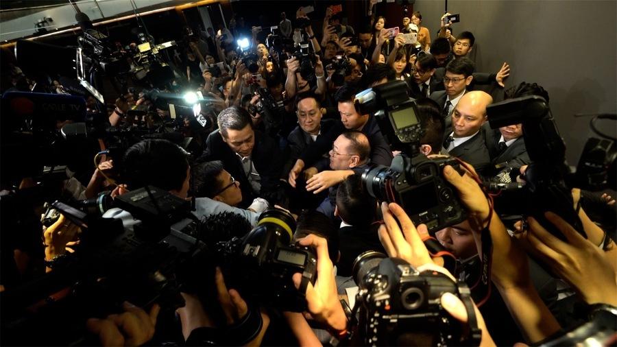 引渡惡法爭議 泛民建制今早開會混亂 雙方停會