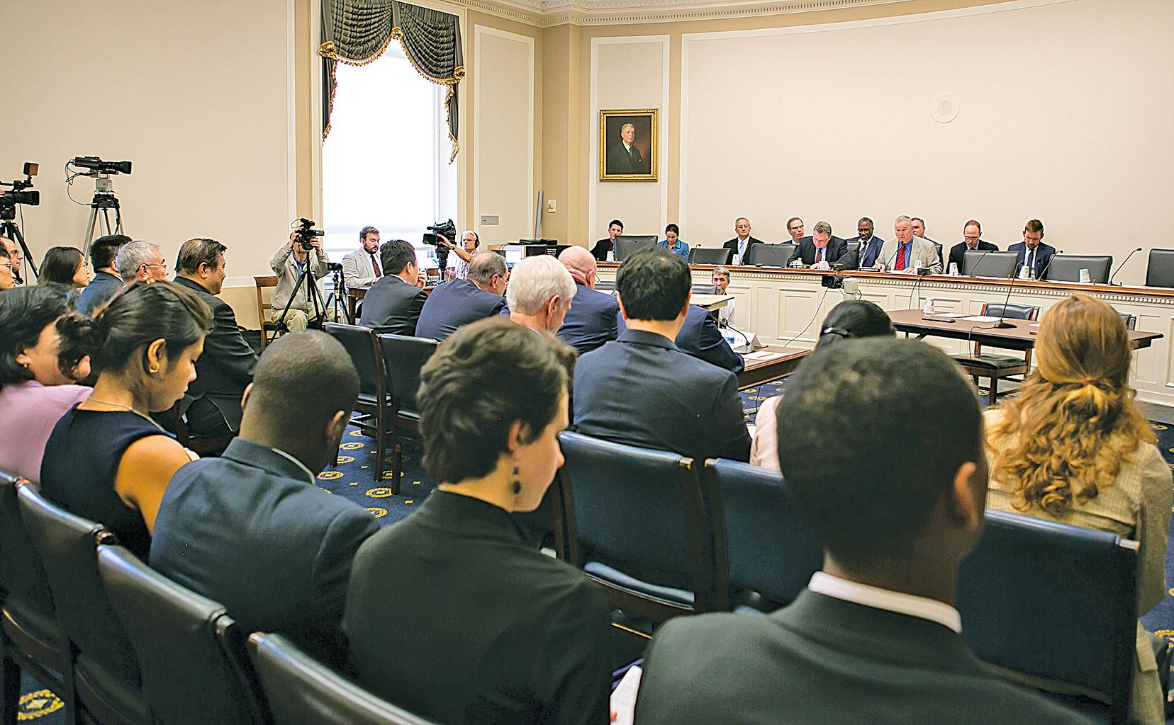 美國國會眾議院外交委員會舉行聯合聽證會,聚焦「中共活摘器官」。(李莎/大紀元)