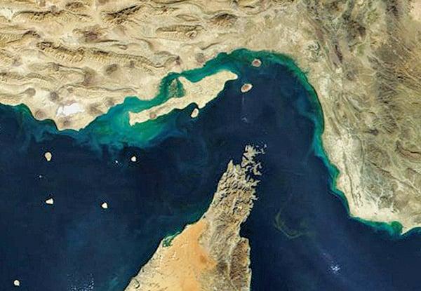 霍爾木茲海峽為戰略要點,多年來為區域勢力必爭之地。(維基百科)