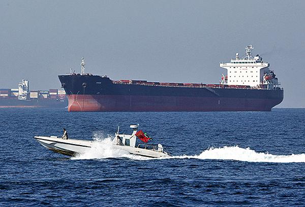 經霍爾木茲海峽輸出的石油,約佔全球每日消耗量的五分之一。(AFP)