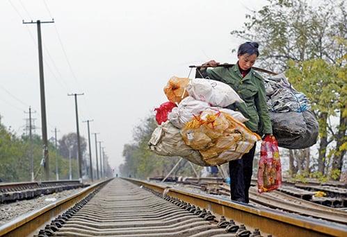 貿易戰造成大陸就業不穩。李克強稱,要守住不發生大規模失業的底線。圖為資料照。(Getty Images)