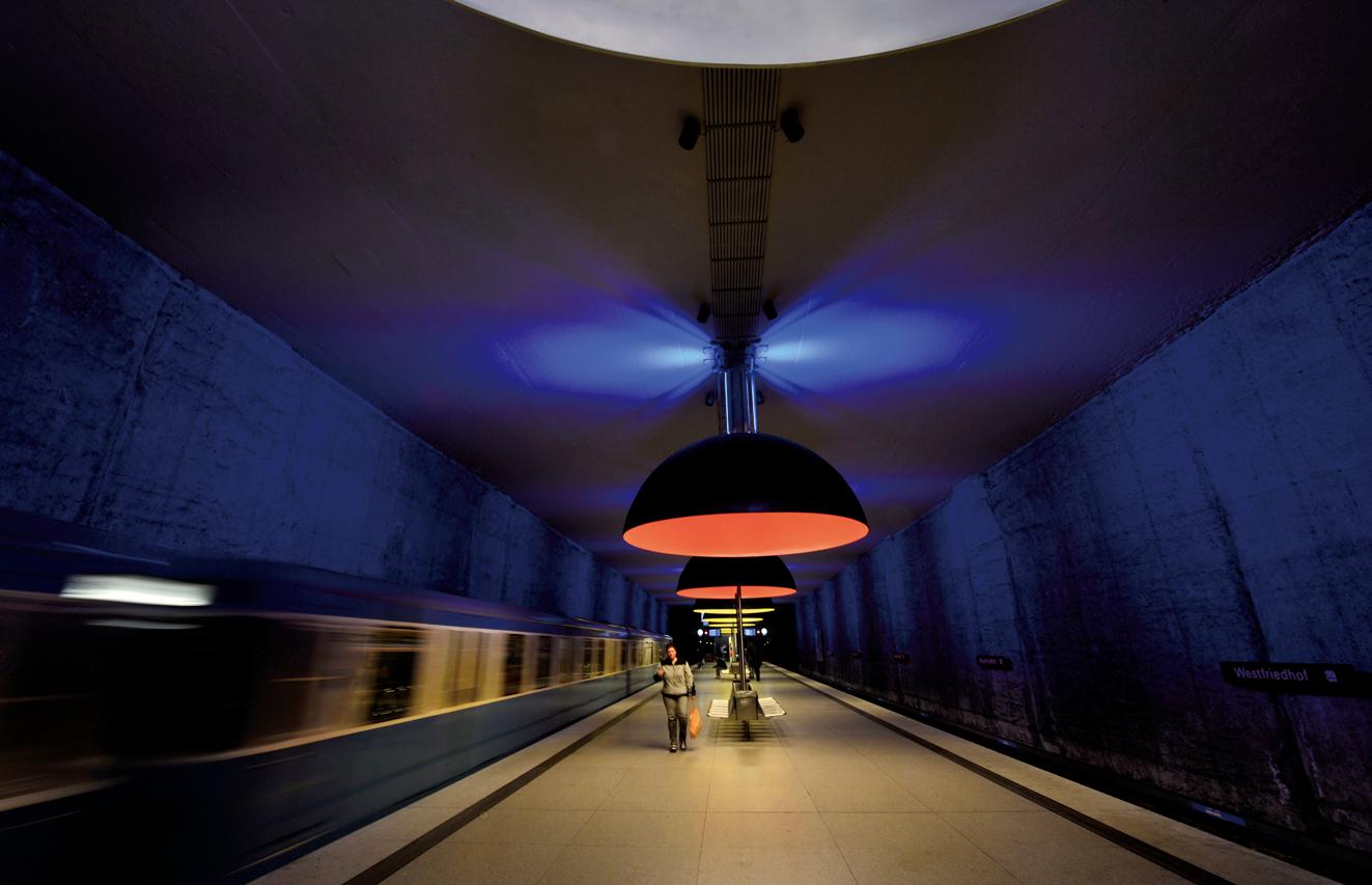 慕尼黑的地鐵站好似時光隧道。