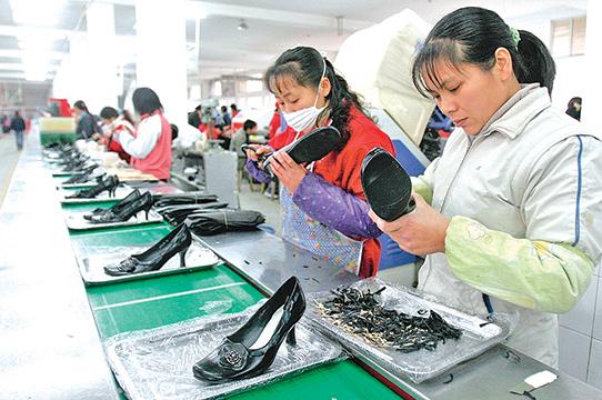 若美國對3,250億美元中國商品加稅,玩具、鞋類和紡織品都將受到影響。(Getty Images)