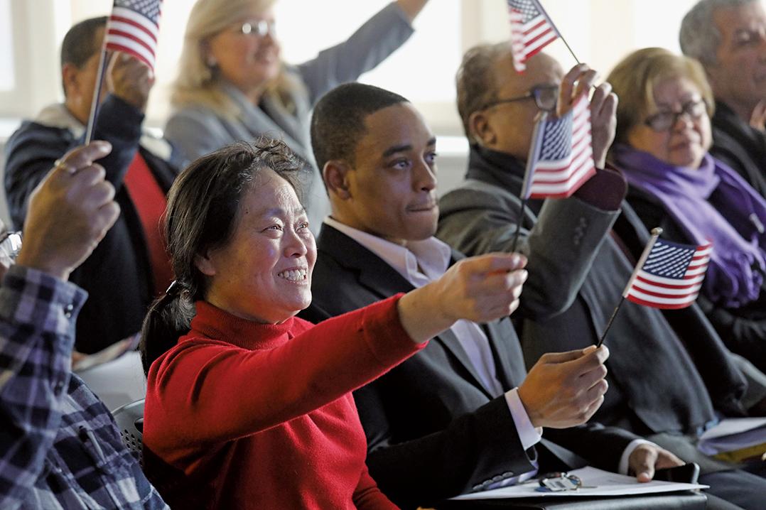 周三(5月15日),美國三位高級官員告訴媒體記者,白宮定於周四(16日)公佈全面的移民改革計劃。(Getty Images)