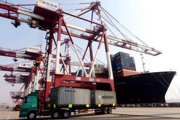 美國正式啟動對價值3000億美元中國輸美產品加徵25%關稅的程序。(STR/AFP/Getty Images)