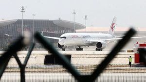 北京上空驚魂 飛機繞圈乘客尖叫