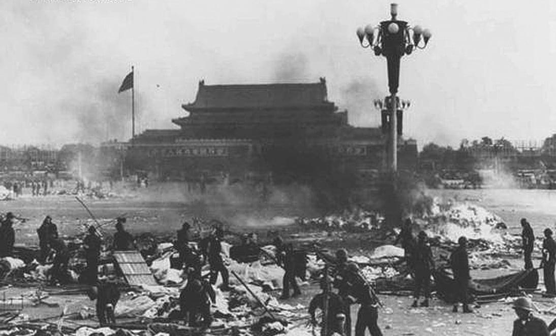 英國2017年10月份的解密文檔顯示,中共軍隊屠殺學生手段慘不忍睹。(六四檔案)