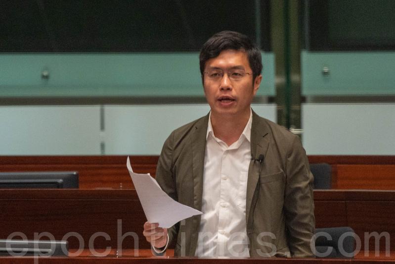 區諾軒強調修例一旦通過勢必影響香港經濟。(李逸/大紀元)