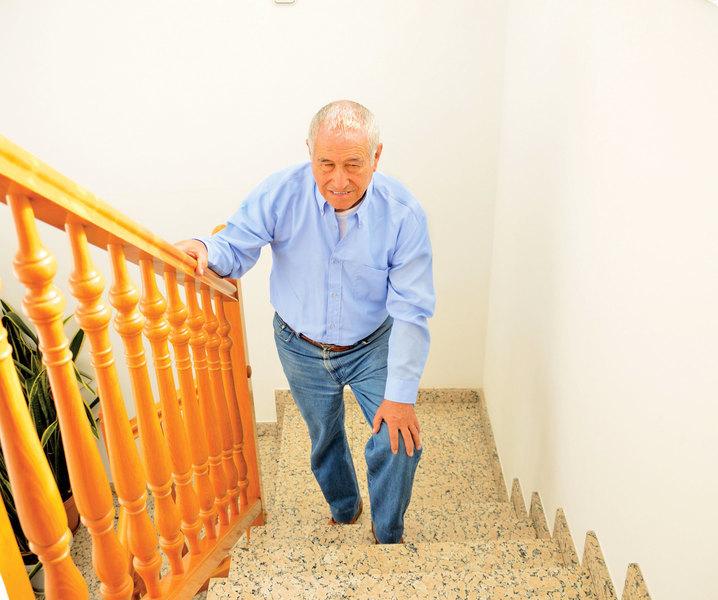 預防老年人兩腳無力 聽聽中醫怎麼說