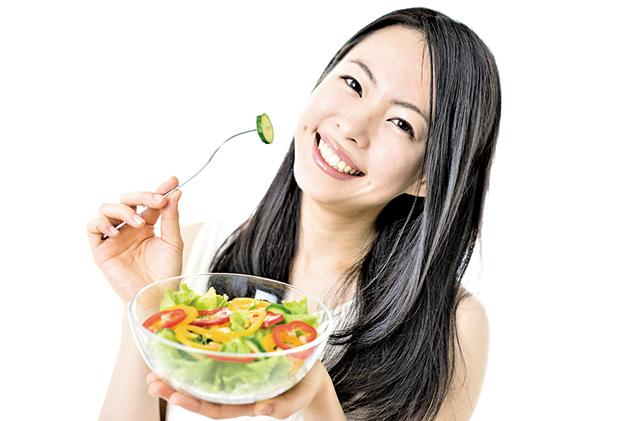 食物中的某些營養成份可以讓人容光煥發,幫助皮膚看起來更年輕,更美麗。(Fotolia)