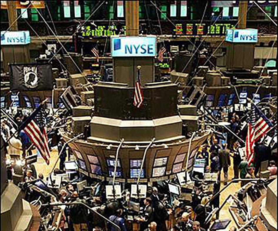 近一個月,217隻赴美國上市的中概股市值縮水2353.57億美元(折合人民幣16,239億元),其中阿里巴巴縮水795億美元居首。圖為美國股市資料圖。(法新社)