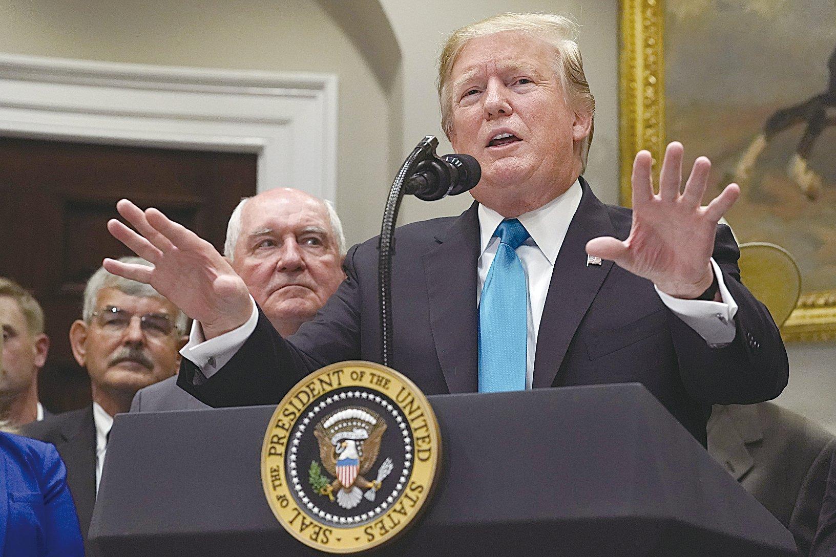 頗具影響力的金融市場專家埃里安認為,列根時代的冷戰與中美貿易戰之間存在一些相似之處,特朗普一直瞄準中國(中共),圖為5月23日,特朗普總統在白宮。(Getty Images)