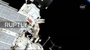一條毛巾在太空飄了10年 終於被宇航員取回(視頻)