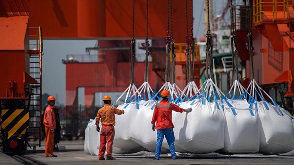 中共國家統計局最新公佈的數據,顯示在中美貿易戰背景下,中國經濟正承受進一步放緩的壓力。示意圖( JOHANNES EISELE/AFP/Getty Images)