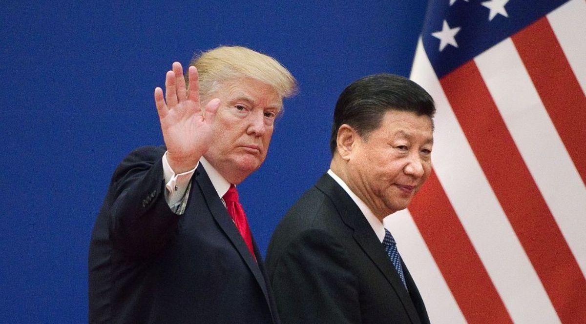 回頭看看,習近平與特朗普首次會晤時曾強調,有一千條理由把中美關係搞好,結果卻是中美關係突然逆轉。示意圖(NICOLAS ASFOURI/AFP/Getty Images)