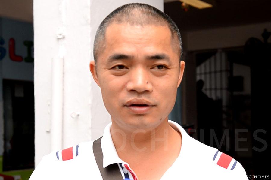 新移民蘇先生表示,來香港的的其中一個原因就是覺得香港教育制度比大陸好,更自由民主,在英文教育方面也較出色。(宋碧龍/大紀元)