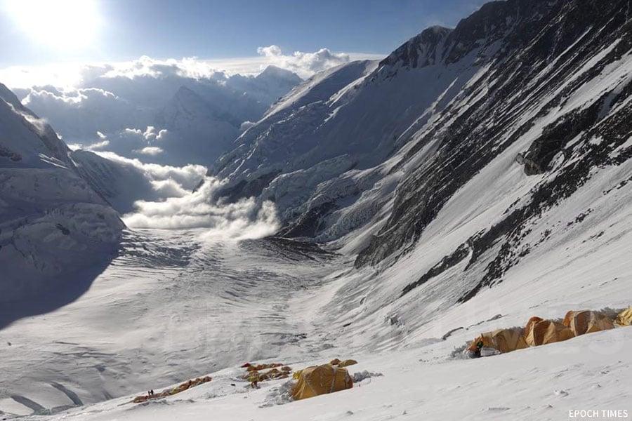 珠峰營地上的帳蓬眾多。(公關提供)