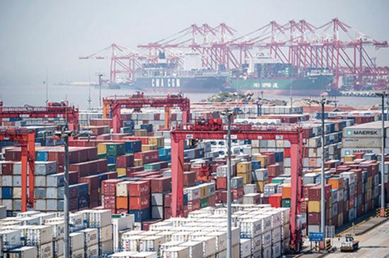 中共6月2日發表白皮書,將貿易談判陷入僵局的責任全歸美國。專家表示,中共是倒打一耙。(AFP)