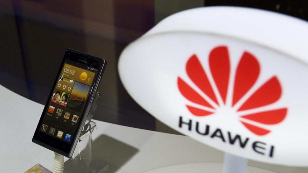 大和資本認為,華為海外手機出貨自下半年起將減少50%、75%或100%。( GREG BAKER/AFP/Getty Images)