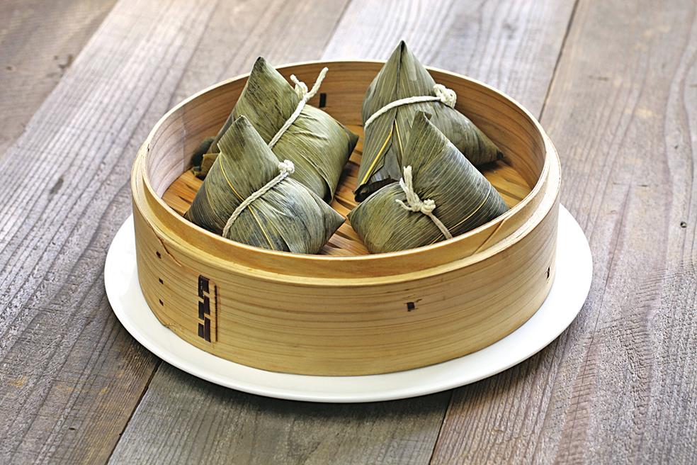 端午節吃粽子的習俗始於公元前。