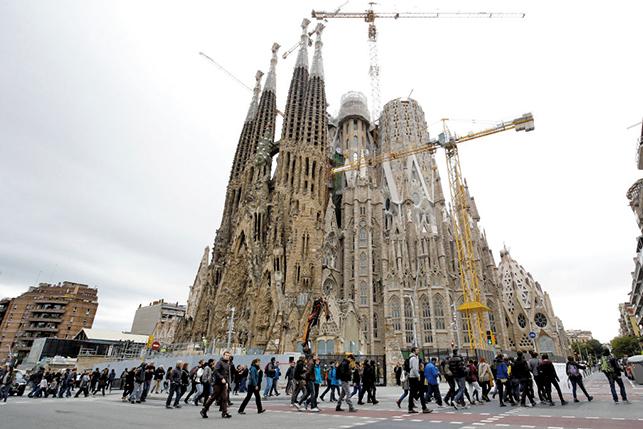 知名建築「聖家堂」 等了137年建造才到手