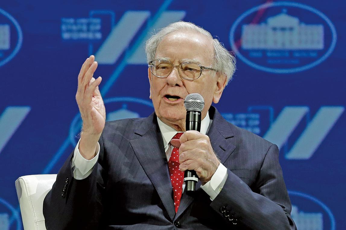 近年投資風尚丕變,價值股式微,就連向來奉行價值投資的巴菲特也開始買進亞馬遜。(AFP)