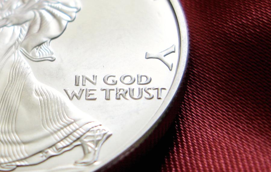 美無神論者反對貨幣印國訓 最高法院拒聽上訴