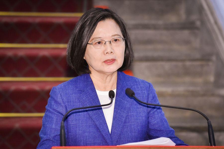 台灣民進黨6月13日公佈總統初選民調結果,爭取連任的總統蔡英文以35.67%,領先前行政院院長賴清德的27.48%,獲得民進黨2020年總統大選提名。(陳柏州/大紀元)