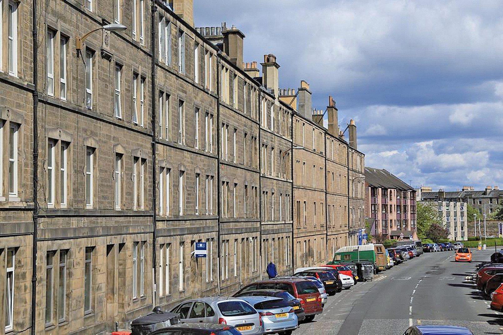 英國 蘇格蘭愛丁堡的排屋。(王浩/大紀元)