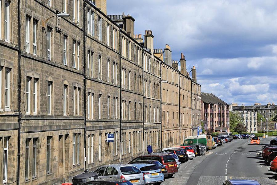 英國房價降溫五月下跌0.2%
