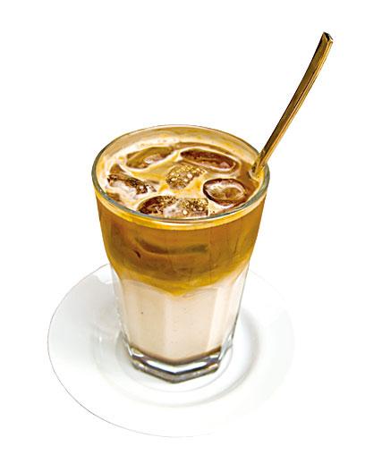 冰咖啡中的含糖量頗高。