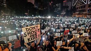 【影片】香港六千媽媽反「送中惡法」
