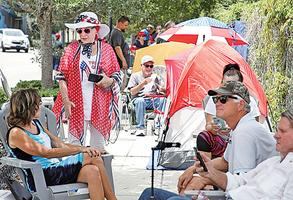 特朗普奧蘭多集會 粉絲提前四十小時排隊等待