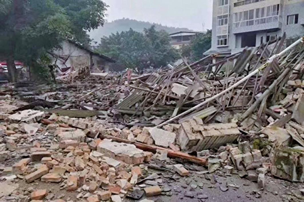 6月17日晚間11時許,四川省宜賓市長寧縣發生6.0級地震,震中雙河鎮損失慘重。已有20人死亡,逾200人受傷,輕傷無數。(受訪者提供)